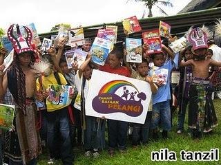 Taman Bacaan Pelangi untuk Anak-anak di Flores