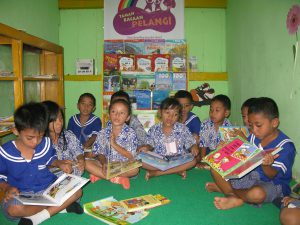 kids in Rainbow Reading Gardens