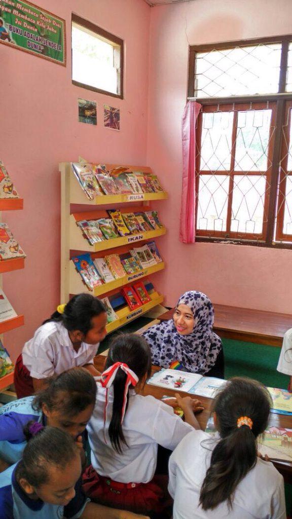 Dewi Analis Taman Bacaan Pelangi
