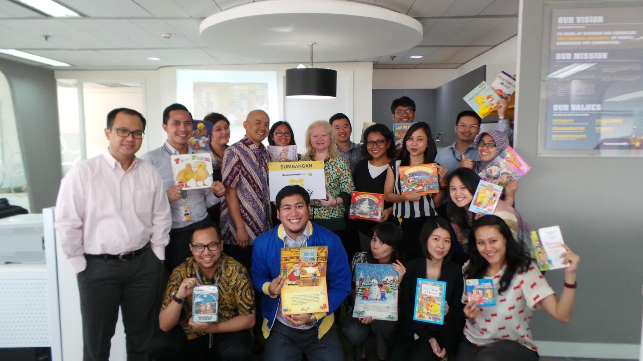 Bazaar Amal Bank Commonwealth untuk Anak-anak di Indonesia Timur