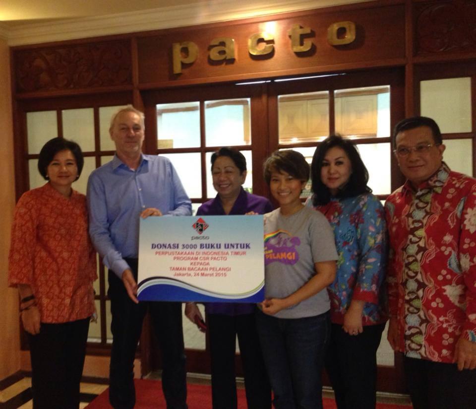 Pacto Travel Donasikan 3.000 Buku untuk Taman Bacaan Pelangi