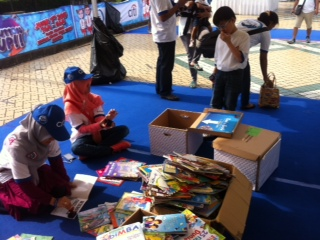 Donasi 1000 Buku dari Citibank untuk Taman Bacaan Pelangi