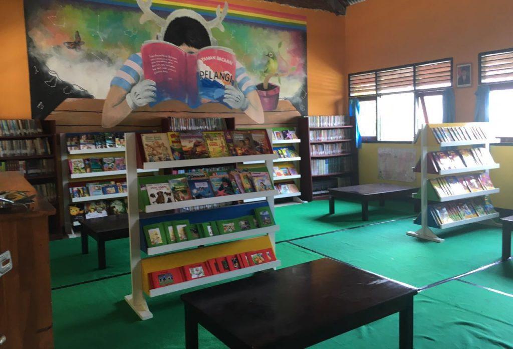 Taman Bacaan Pelangi SDN Sering Sumbawa Besar