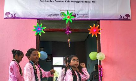 Inaugurating the 54th Library at SDI Kakor, West Manggarai, NTT