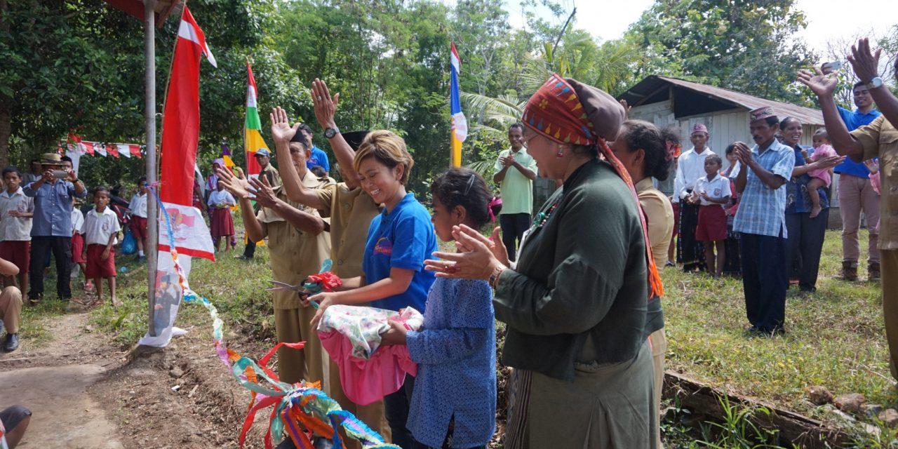 Inaugurating the 45th Library at SDI Macan Tanggar, West Manggarai