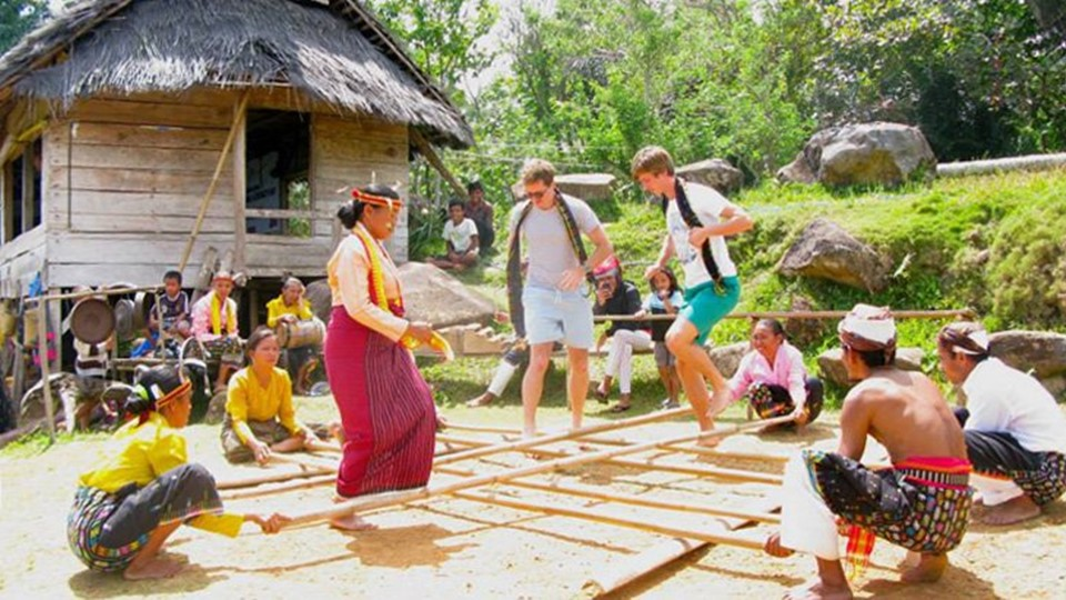 travel_sparks_indonesia_custom_itinerary_volunteer_trip_with_cause_2960px