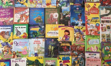 Sumbangan buku Gunung Agung untuk Taman Bacaan Pelangi