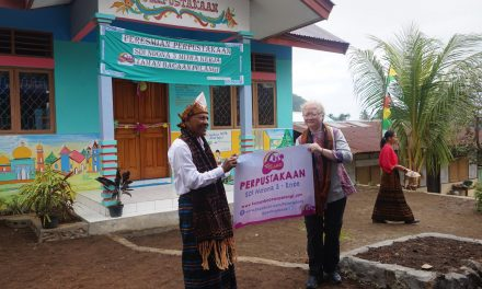 Inauguration of the 87th Rainbow Reading Gardens Library at SD Inpres Ndona 3, Ende, Flores, NTT