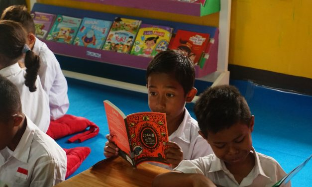 Inauguration of the 96th Rainbow Reading Gardens Library at SDK Kekandere 1, Ende, NTT