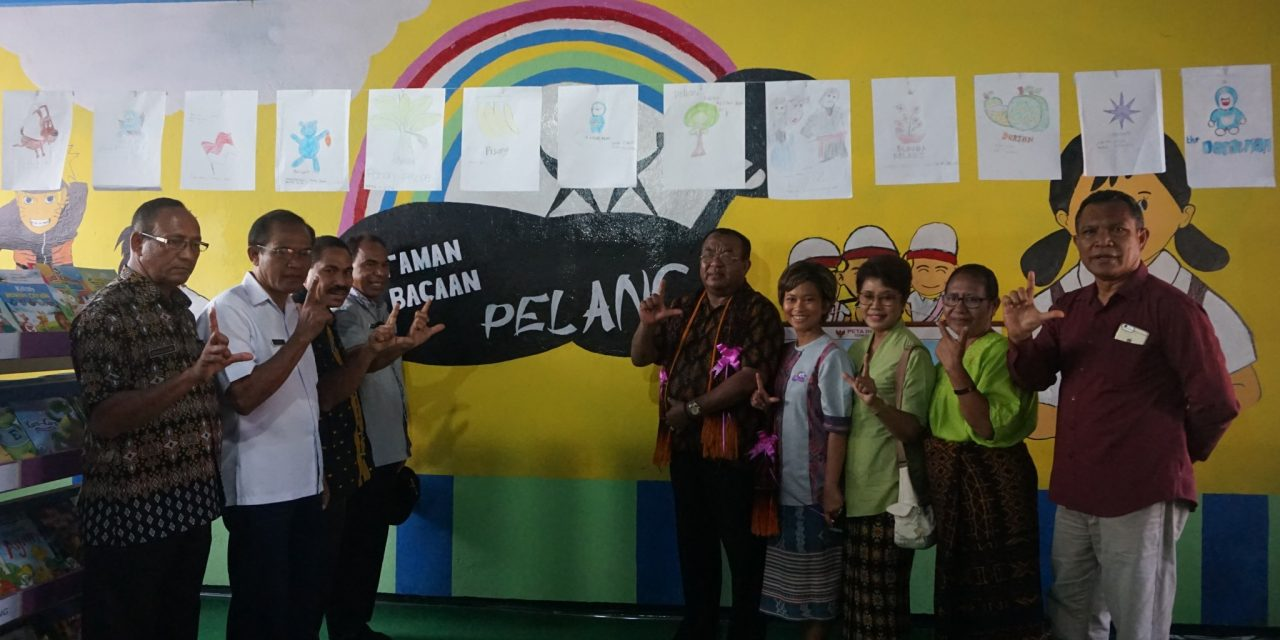 Inauguration of the 100th Rainbow Reading Gardens Library at SDK Nangapanda 1, Ende, NTT