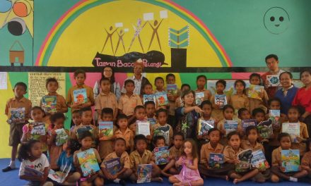 Inauguration of the 101st Rainbow Reading Gardens Library at SD Katholik St. Philipus Tanajea, Ende, Flores, NTT