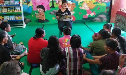 Pelatihan Membaca Lantang Untuk Orangtua Di Sekolah Mitra Taman Bacaan Pelangi