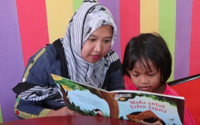 Membacakan Anak Sebuah Buku Cerita di Rumah ? Why Not!