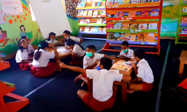 Ayo Kita Serbu Perpustakaan! – Semangat Membaca Siswa-Siswi SDK Wolotolo